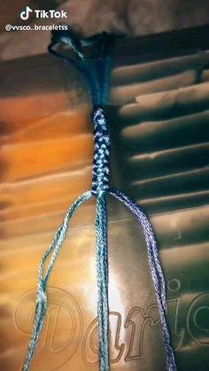 Macrame bracelet for beginners Diy Friendship Bracelets Tutorial, Diy Friendship Bracelets Patterns, Bracelet Tutorial, Macrame Tutorial, Diy Bracelets With String, Yarn Bracelets, Bracelet Crafts, Homemade Bracelets, Diy Bracelets Easy