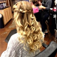 I swear one day my hair will be long enough.. I can't wait<3