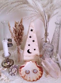 "floralwaterwitch: ""Although I'm always sad to see summer go, fall is so cozy and I really love Halloween 🎃 so here's my lovely altar for the autumn equinox ~ to celebrate and welcome all of the upcoming changes 🍂🌾💀🐚✨ "" Wiccan Decor, Pagan Altar, Baby Witch, Sea Witch, Water Witch, Witch Alter, Witch Room, Under Your Spell, Eclectic Witch"