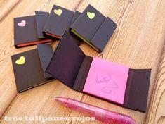 Porta post it Pioneer School Gifts, Pioneer Gifts, Post It Note Holders, Jw Gifts, Ideias Diy, Diy Notebook, Paper Crafts Origami, Scrapbook Journal, Diy Arts And Crafts
