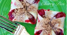 Perfectly Portioned Mini Cherry Pies using a pampered chef brownie pan or muffin tin, quick & easy! Pampered Chef Desserts, Pampered Chef Party, Mini Cherry Pies, Mini Pies, Cherry Bars, Mini Pie Recipes, Cooking Recipes, Mini Muffin Desserts, Delicious Desserts