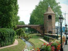 Haguenau:  tour des Pêcheurs avec une arche. Alsace