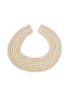 ASOS Pearl Collar  ya da bu: http://www.asos.com/ASOS/ASOS-Scallop-Edge-Pearl-Collar/Prod/pgeproduct.aspx?iid=2023754=pearl%20collar=0=0=20=-1=Nude