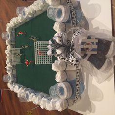 Soccer diaper cake Baby Shower Presents, Baby Shower Gifts For Boys, Boy Baby Shower Themes, Baby Boy Soccer, Soccer Baby Showers, Baby Shower Diapers, Baby Shower Cakes, Unique Diaper Cakes, Diaper Parties