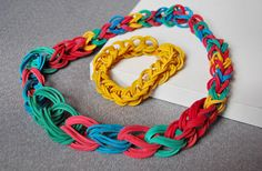 Make exceptional jewellery out of colorful rubber bands http://www.handimania.com/diy/rubber-band-necklace-and-bracelet.html