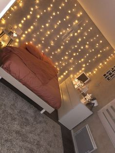room decor for a cozy bedroom can be for kid's rooms or teen girls' bedro., room decor for a cozy bedroom can be for kid's rooms or teen girls' bedrooms Girl Bedroom Designs, Room Ideas Bedroom, Bedroom Themes, Bedroom Inspo, Bedroom Decor Lights, String Lights Bedroom, Room Decor With Lights, Bedroom Spotlights, Bedroom Fairy Lights