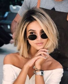 99 Cool Short Hairstyles Ideas For Women With Thick Hair – Hair Styles Caramel Blonde Hair, Blonde Wig, Dark Roots Blonde Hair Short, Curly Blonde, Dark Eyebrows Blonde Hair, Blonde Lob With Bangs, Blonde Bob With Fringe, Blonde With Glasses, Bangs And Glasses