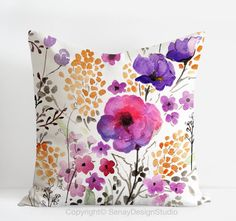 Garden Flowers original design linen/cotton Pillow di SenayStudio