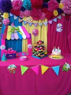 "Cake table ""shopkins"""
