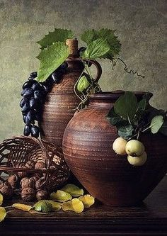 """The word """"ceramics"""" comes form the Greek word """"keramikos"""", which means pottery. The descent of the Greek word means potter's clay and ceramic art directly … Still Life Drawing, Still Life Art, Still Life Photography, Art Photography, Art Chinois, Fruit Painting, Still Life Photos, Art Japonais, Fruit Art"""