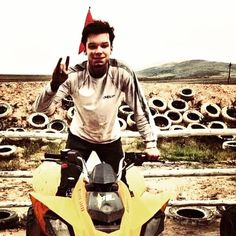 (Open): Jerome: I went out to a four wheeler place where you can ride around. I saw you taking a picture so I did a hand pose b Jerome Gotham, Gotham Tv, Cameron Monaghan Gotham, Ian And Mickey, Diana, Celebrity Siblings, Jerome Valeska, Tv Shows Funny, Noel Fisher