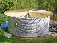 Morgan Caraway and his girlfriend built this earthbag house for $5000 in the mountains of North Carolina.