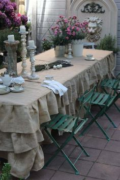 nappe de table de jardin à frou-frou en lin beige clair
