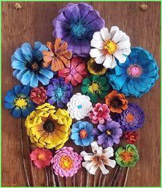 Pine Cone Flower Board Source by shamlesteberg Pine Cone Art, Pine Cone Crafts, Wreath Crafts, Flower Crafts, Pine Cones, Rock Crafts, Crafts To Make, Fun Crafts, Pine Cone Flower Wreath