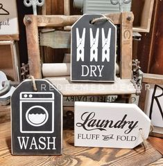 adorable and easy to make signs for your laundry room Craft Stick Crafts, Wood Crafts, Chalk Crafts, Wood Tags, Easter Crafts For Kids, Rustic Signs, Wooden Signs, Diy Signs, Diy Room Decor