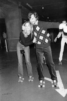 Goldie Hawn and Steven Spielberg roller skating 1980   Rare and beautiful celebrity photos