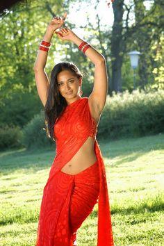 Anushka Shetty Hot Navel Pics In Saree