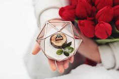 Some say diamonds are a girls best friend. This diamond shaped mini terrarium inspired by the most beautiful form in nature would make a perfect ring bearer box on your wedding day. We recommend filling this piece with fake snow, sand, dried flowers or something else that suits your wedding theme, using a little wooden stand to make the rings stable to create a perfect look. You are always welcome to use your own perspective to find a way to display, but no matter where or how you use it…