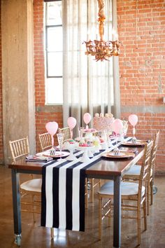 Modern bridal shower inspiration | Photo by Kristin Nicole Photography | Read more - http://www.100layercake.com/blog/?p=71323