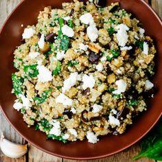 Le ricette con la quinoa spaziano da quelle dolci a quelle salate, da quelle con le verdure alle famose polpette. Senza dimenticare i dolci con la quinoa soffiata...