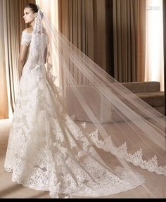 Velos de novia on AliExpress.com from $ http://es.aliexpress.com/item/1T-3-4-Meters-Luxury-Ivory-White-Wedding-Veil-Long-Bridal-Veils-Wide-Lace-Edge-Bridal/657541348.html