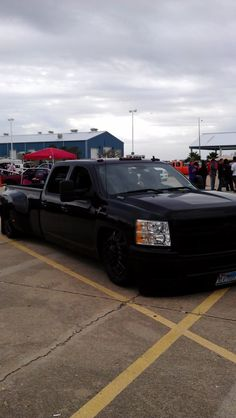 Clean nnbs Chevy dually I took a picture of at Drag For Diabetes.    Everything Low