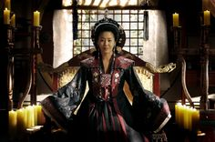Go Hyun Jung, Misil, Queen Seonduk/Queen Seondeok(Hangul:선덕여왕;RR:Seondeok Yeowang) is a 2009South Koreanhistorical drama as part ofMBCtelevision network 48th-founding anniversary special drama, starringLee Yo-won,Go Hyun-jung,Uhm Tae-woong,Park Ye-jin,Kim Nam-gilandYoo Seung-ho. It chronicles the life ofQueen Seondeok of Silla. It aired onMBCfrom 25 May to 22 December 2009 on Mondays and Tuesdays at 21:55 for 62 episodes.