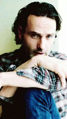 Andrew Lincoln - The Walking Dead Walking Dead Tv Series, Fear The Walking, The Walking Dead 3, Andrew Lincoln, Divas, Star Wars, People Of Interest, Raining Men, Rick Grimes
