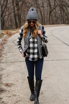 Ideas Boots Rain Outfit Herringbone Vest For 2019 Plaid Shirt Outfits, Casual Outfits, Fashion Outfits, Plaid Shirts, Shirt Vest, Classic Outfits, Western Outfits, Fall Winter Outfits, Autumn Winter Fashion