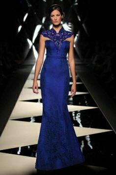فستان من الحرير الازرق