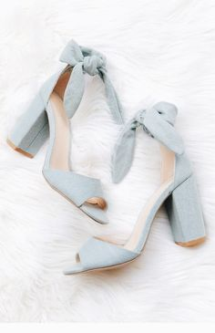 A light denim chunky heel with a peep toe, and tie at the ankle. Dr Shoes, Oxford Shoes Heels, Bow Heels, Women Oxford Shoes, Lace Up Heels, Cute Shoes, Me Too Shoes, Shoe Boots, Denim Heels