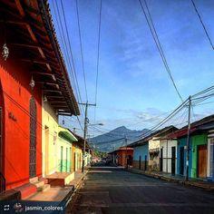 http://OkGranada.com #Follow @jasmin_colores: Streets of #Granada #Nicaragua #ILoveGranada #AmoGranada #Travel #CentralAmerica #GranadaNicaragua