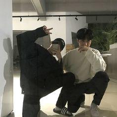 BOYS | FOLLOW ME 👺💕 Korean Boys Ulzzang, Cute Korean Boys, Ulzzang Couple, Ulzzang Boy, Asian Boys, Cute Boys, Tumblr Gay, Avatar Zuko, Korean Best Friends