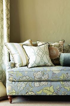 Pillows, Cushions and Table Coverings. Image: calicocorners.com #custom_decorating