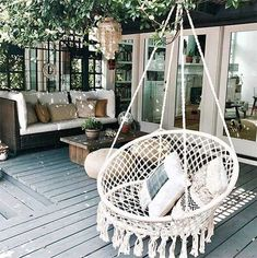 Inspiration: Outdoor Living Macrame Swing Indoor Outdoor Albums Make Memories Live Everybody wants to have the most beautiful images for t. Swing Indoor, Outdoor Hammock, Indoor Outdoor Living, Porch Swing, Vase With Lights, Boho Bedroom Decor, Outdoor Furniture, Outdoor Decor, Hanging Chair
