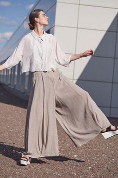 Купить Брюки ШИРОКИЕ на подкладке из коллекции «…И ВХОДИТ ЖЕНЩИНА» от Lesel (Лесель) российский дизайнер одежды