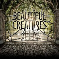 Beautiful Creature movie poster- I should read the book lol. Emma Thompson, Love Movie, I Movie, The Town Movie, Movie Sounds, Beautiful Creatures Series, Creature Movie, Chaning Tatum, Sublime Creature