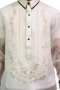 This barong comes with contrasting colors to make you stand out in any occasion. Fabric: Jusi (Silk) with pina effect. Design: Two-tone U-embroidery. Special Feature: Piping on hard collar and cuffs. Barong Wedding, Barong Tagalog, Filipino Wedding, Filipiniana, Man Weave, Collar Designs, Wedding Suits, Wedding Dresses, Collar And Cuff