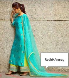 Dress Indian Style, Indian Fashion Dresses, Party Wear Indian Dresses, Designer Party Wear Dresses, Kurti Designs Party Wear, Stylish Dress Designs, Stylish Dresses, Indian Wedding Outfits, Indian Outfits