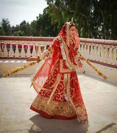 Royal Dresses, Indian Dresses, Rajasthani Dress, Bridal Nose Ring, Dulhan Mehndi Designs, Rajputi Dress, Indian Wedding Cards, Indian Bridal Fashion, Ethnic Outfits