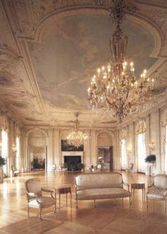 Interior rough point newport ri doris duke mansion for Mansion floor plans with ballroom