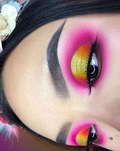 Glamorous lip products trending now. Eye Makeup Art, Makeup Inspo, Makeup Tips, Makeup Ideas, Brow Gel, Eyeshadow Looks, Eye Make Up, Beautiful Eyes, New Friends