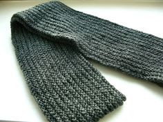 littletheorem: Ingram Scarf - a classic scarf knitted lengthwise on circular needles