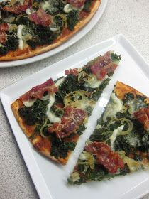 Grønkål på en pizza? Ja, sgu - det er en vildt god måde at få en masse jern og kostfibre på. Det var en pludselig indskydelse at bruge det g...