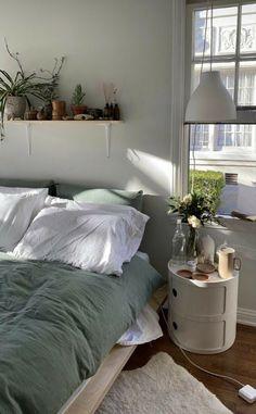 Room Ideas Bedroom, Bedroom Inspo, Apartment Bedroom Decor, Decor Room, Room Decorations, Apartment Interior, Bedroom Colors, Dream Rooms, Dream Bedroom