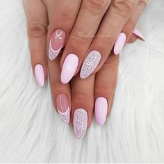 The trend of almond shape nails has been increasing in recent years. Many women who love nails like almond nail art designs. Almond shape nails are suitable for all colors and patterns. Almond nails can be designed to be very luxurious and fashionabl Gorgeous Nails, Love Nails, Pink Nails, Glitter Nails, Pretty Nails, My Nails, Sugar Glitter, Simbolos Tattoo, Almond Nail Art