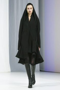 Chalayan Ready To Wear Fall Winter 2018 London Live Fashion, Fashion Show, Runway Fashion, Latest Fashion, Hussein Chalayan, Fall 2018, Ready To Wear, 18th, Fashion Photography