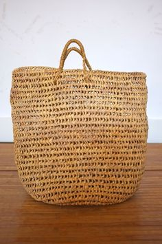 vintage raffia shopping bag