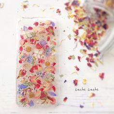 ハンドメイドマーケット+minne(ミンネ)|+antique++Flower++押し花iPhoneケース
