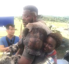 And Nakia miiight secretly be working for the Jabari Tribe: 39 Behind-The-Scenes Pictures That'll Change How You Watch Marvel Movies Black Panther Marvel, Marvel E Dc, Marvel Avengers, Marvel Women, Black Panther Costume, Iconic Movies, American Comics, Scene Photo, Marvel Movies